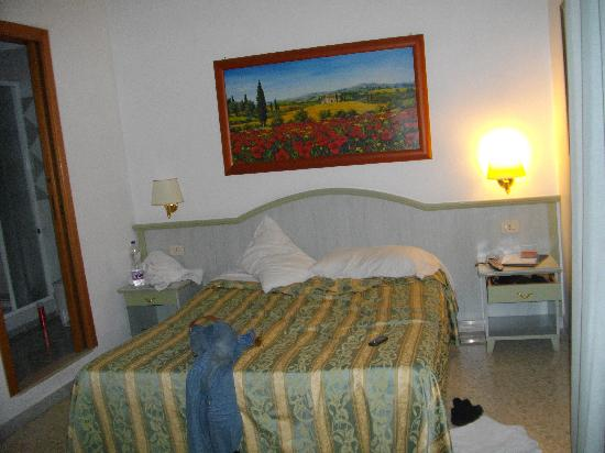 Gioia B & B: The very comfortable bed!