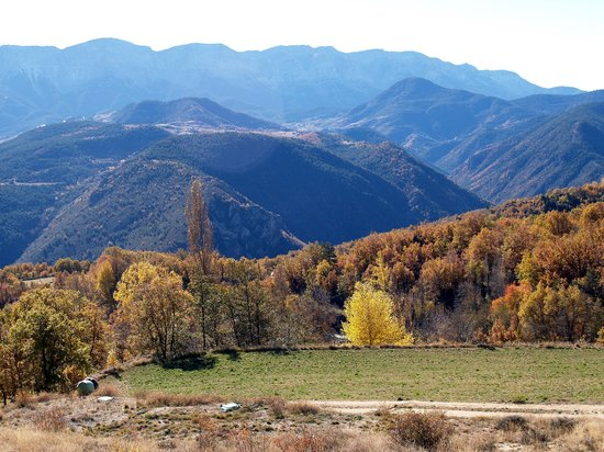 Katalonien, Spanien: Scenery on the road to Lles de Cerdanya