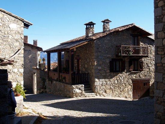 Καταλονία, Ισπανία: Lles de Cerdanya