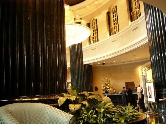 โรงแรมเรอเนซองส์ กัวลาลัมเปอร์: Una vista del Hall