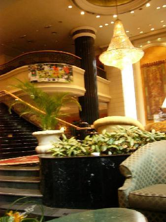 โรงแรมเรอเนซองส์ กัวลาลัมเปอร์: Otra vista del Hall