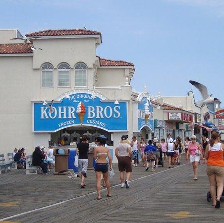 Kohr Brothers Frozen Custard: Kohr Brothers-soft icee cream
