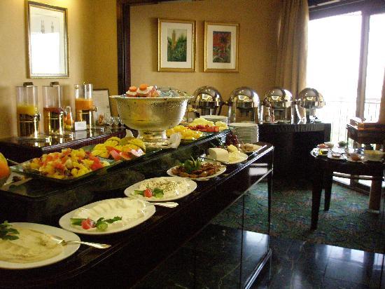 Le Meridien Al Khobar : Club Breakfast
