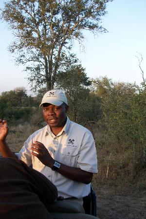 Londolozi Pioneer Camp: Wonderful ranger Melvin