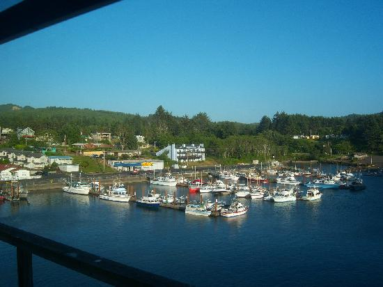 The Spouting Horn Restaurant: Enjoy the view of the harbor