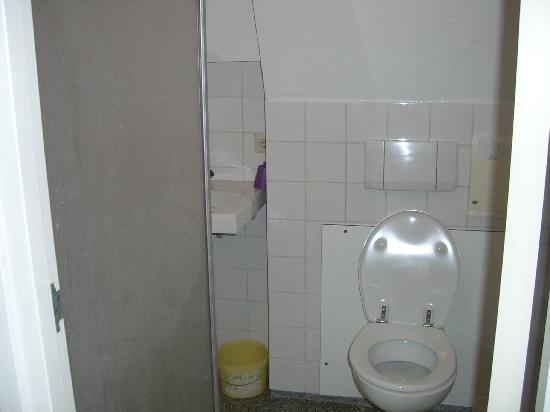Hotel van Onna: Bathroom 1
