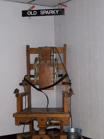 """Moundsville, เวสต์เวอร์จิเนีย: Electric chair known as """"Old Sparky"""""""