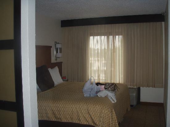 Hyatt Place Duluth/Gwinnett Mall: Bed