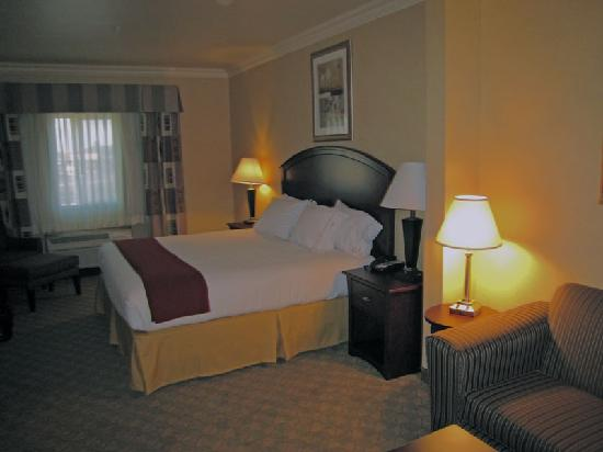 Holiday Inn Express Hotel & Suites Oroville Southwest: Executive room