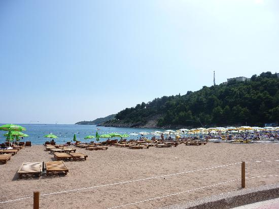 Hotel Montenegro Beach Resort : Beach view
