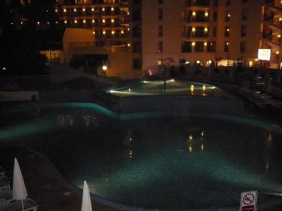 Hotel Erma: pool at night