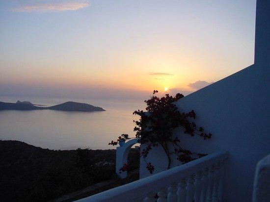 Adrakos Apartments: Sunset from the Balcony