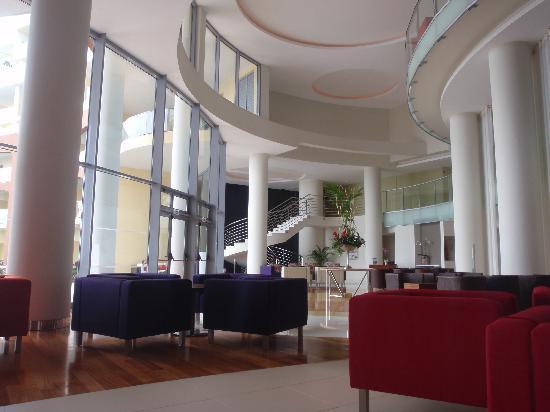 โรงแรมเพสตานา พรอเมอเนด โอเชียน รีสอร์ท: The Bar Area