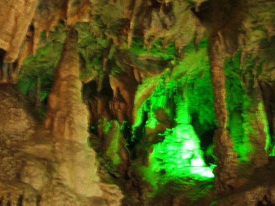 Hida Daishonyudo Cave : ぶれてますが、鍾乳石です。