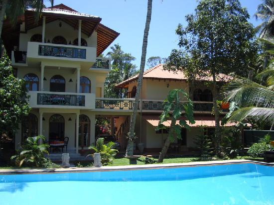 Shangri-Lanka Villa: View from the pool