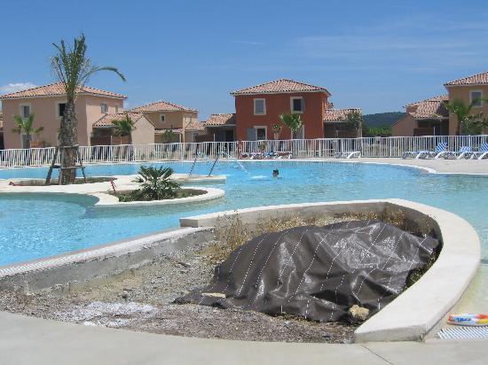 Le Domaine du Golf -  Fabrègues : piscine pas tout à fait terminée !