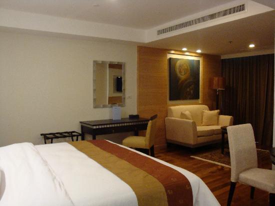 Adelphi Grande Bangkok by Compass Hospitality