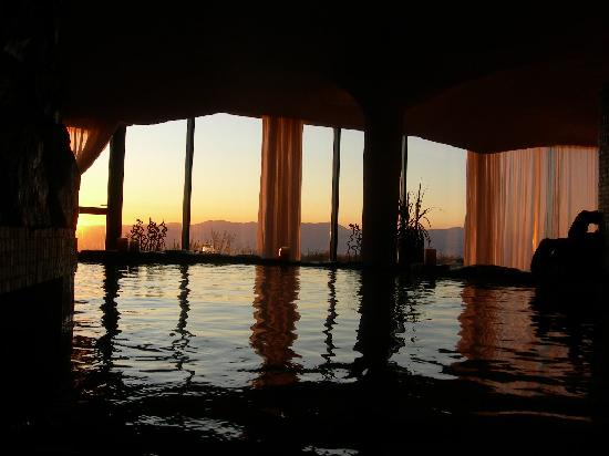 Peace Vista Country Lodge (Mitzpe Hashalom): The sunset over the Galil hills