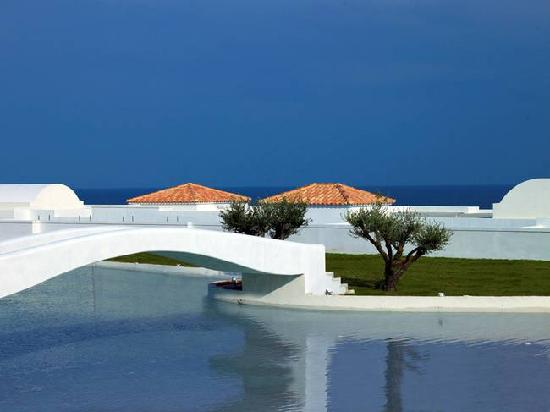 Atrium Prestige Thalasso Spa Resort and Villas : Shot of the resort