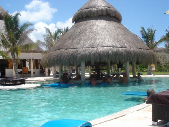Secrets Maroma Beach Riviera Cancun Swim Up Pool Bar