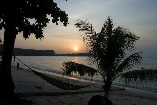 Full Moon Bungalows : Not a bad spot to watch a sunset