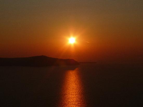 Aegean View Hotel: Sunset view from Fira