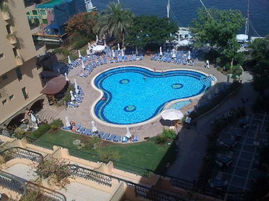 Steigenberger Nile Palace Luxor: View of pool from 5th floor room