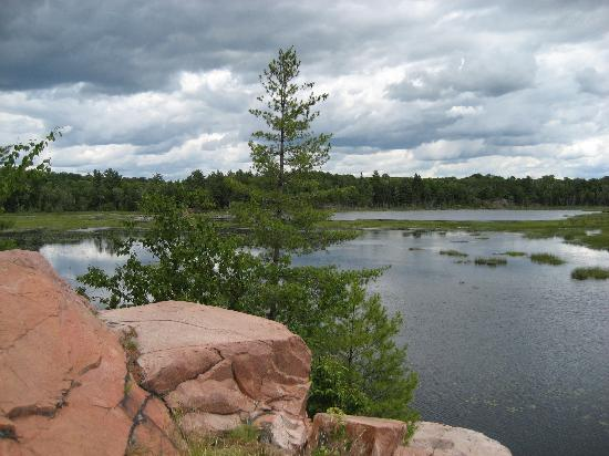 Killarney, Canadá: The pink granite rock is gorgeous.