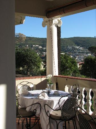 Cape Riviera: Breakfast Patio