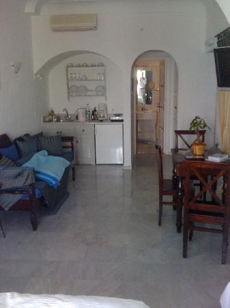 Anastasis Apartments: The Room