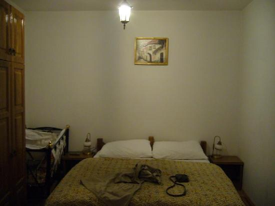 Kandilj Pension: room