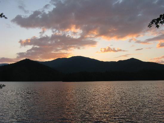 Santeetlah Lake: Sunset on Santeetlah