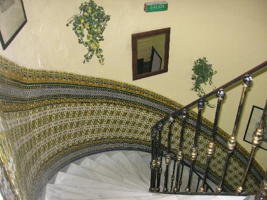 Hostal Riosol : Main Staircase