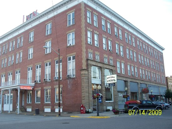 The Lowe Hotel: from across the street