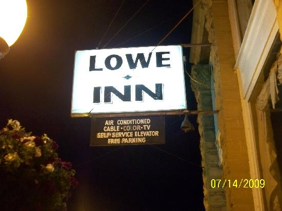 The Lowe Hotel: outside sign