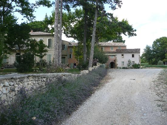 The approach to Chateau Juvenal