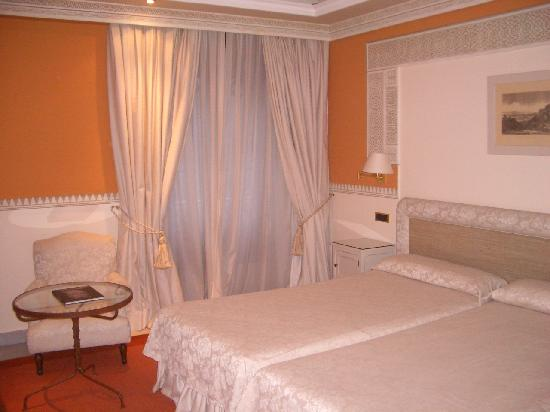 Hotel Alhambra Palace: Double room
