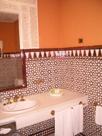 Hotel Alhambra Palace: Bathroom