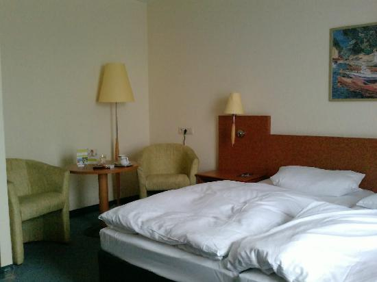 Best Western Hotel Ruesselsheim Frankfurt-Airport: double room
