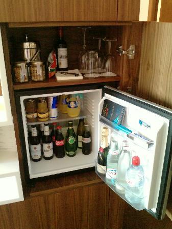Sofitel Berlin Kurfürstendamm: excellent mini-bar
