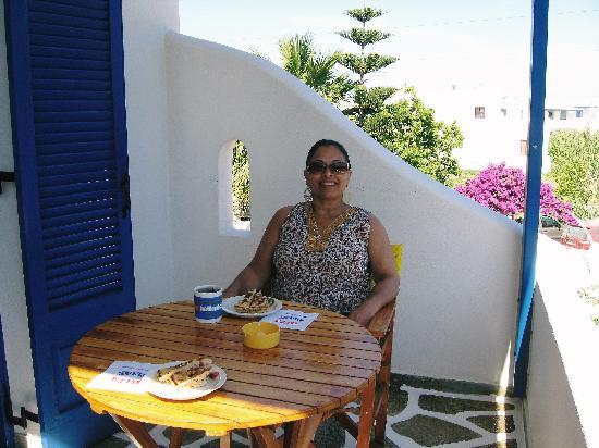 Angie's Studios: Breakfast on the balcony