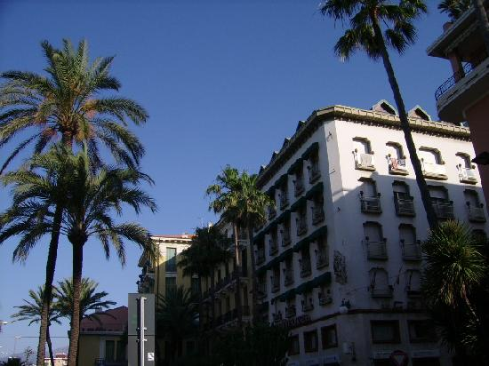 Centro Hotel : hotel from outside