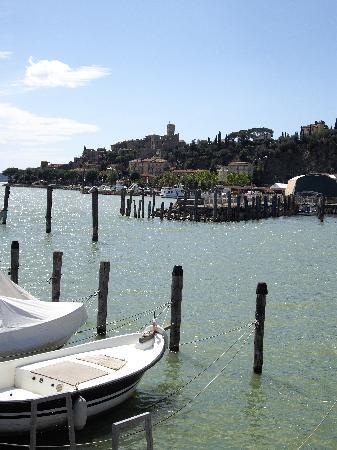 Villa Paradiso Village: Passignano harbour