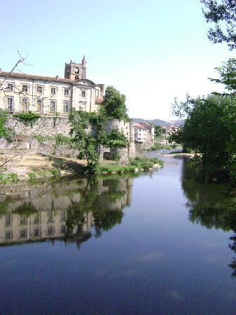 Lavoute-Chilhac, Frankrike: pêcher devant ce cadre, c'est magique