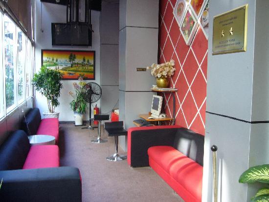 Hotel 68: ロビー