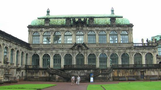 Hotel Rothenburger Hof: Zwinger is the place to go in Dresden, if you love art.