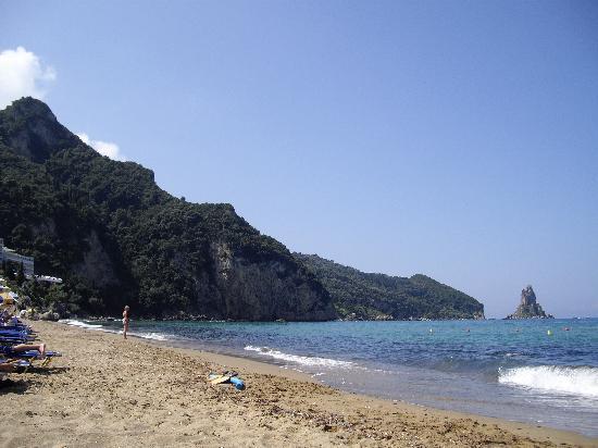 Stevens on the Hill: Aghios Gordis Beach