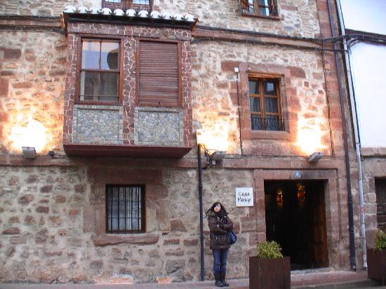 Ezcaray, Spain: Entrada al Hotel