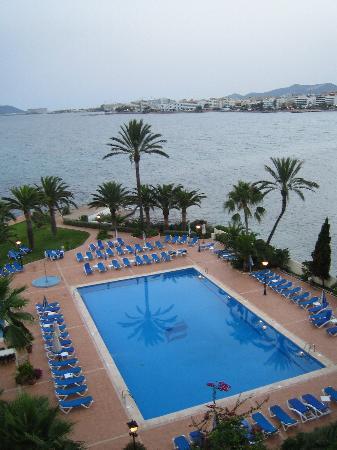 THB Los Molinos: la vista dalla camera con la piscina