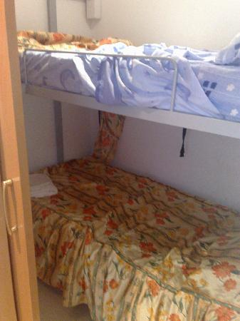 Aparthotel Royal Inn : yet again, the bunk bed cupboard